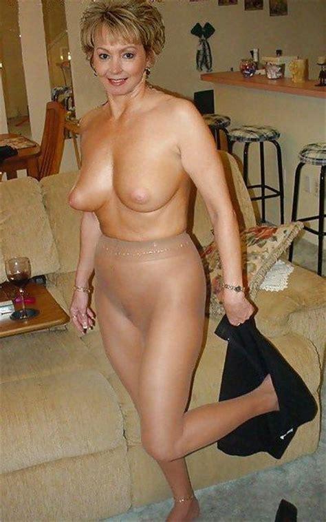 Old sexy mature mom tube jpg 400x640